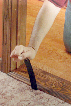 Демонтаж и установка деревянного порога