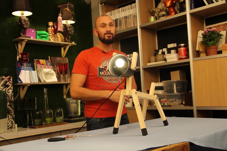 Необычный светильник своими руками из подручных материалов