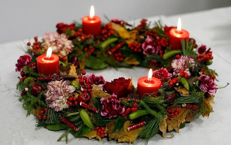 Рождество в английском стиле: украшения из растений