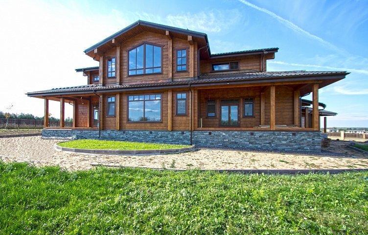 Строительство домов из клееного бруса — традиции качества и функциональности
