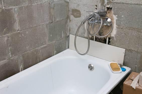 Типичные ошибки при ремонте ванной комнаты и туалета своими руками или рабочими по найму - советы профессионалов